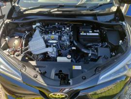 2017 Toyota C-hr NGX50R Koba Suv image 39