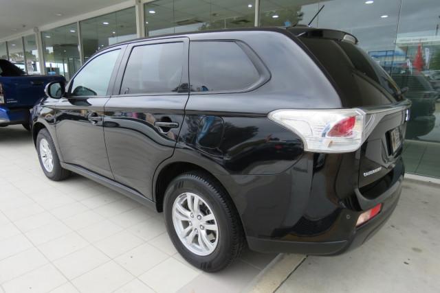 2013 Mitsubishi Outlander ES