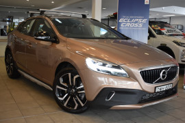 Volvo V40 Cross Country T5 - Inscription M Series  T5