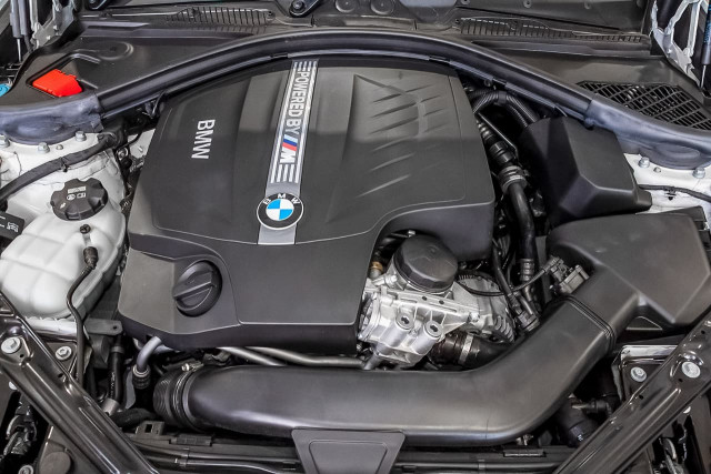 2016 BMW M2 F87 Coupe Image 20