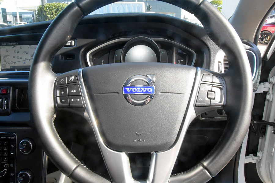 2013 MY14 Volvo V40 Cross Country Vehicle Description. M  MY14 T5 LUXURY HBK 5DR AGT 6SP 2.5T T5 Hatch