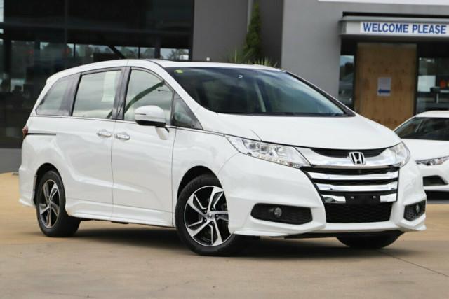 2015 Honda Odyssey 5th Gen VTi-L Wagon Image 1