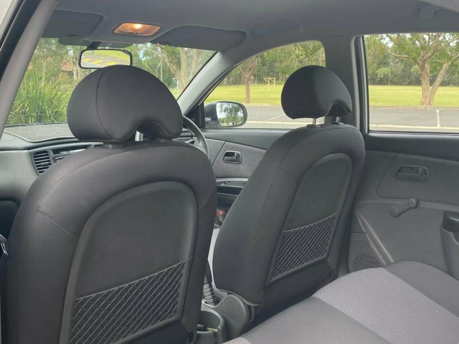 2011 Kia Rio JB MY11 S Hatchback Image 11