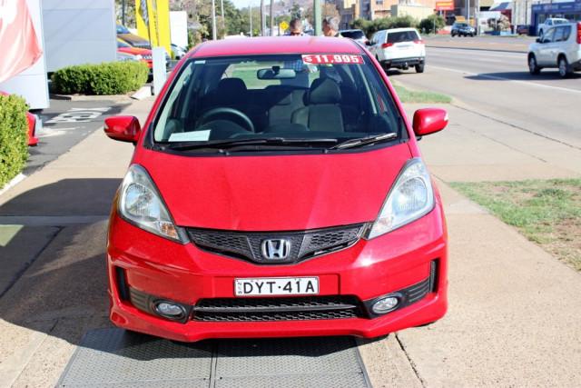 2012 Honda Honda GE  Vibe-S Hatchback Image 3