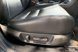 2003 Honda Accord Euro CL Luxury Sedan Image 5