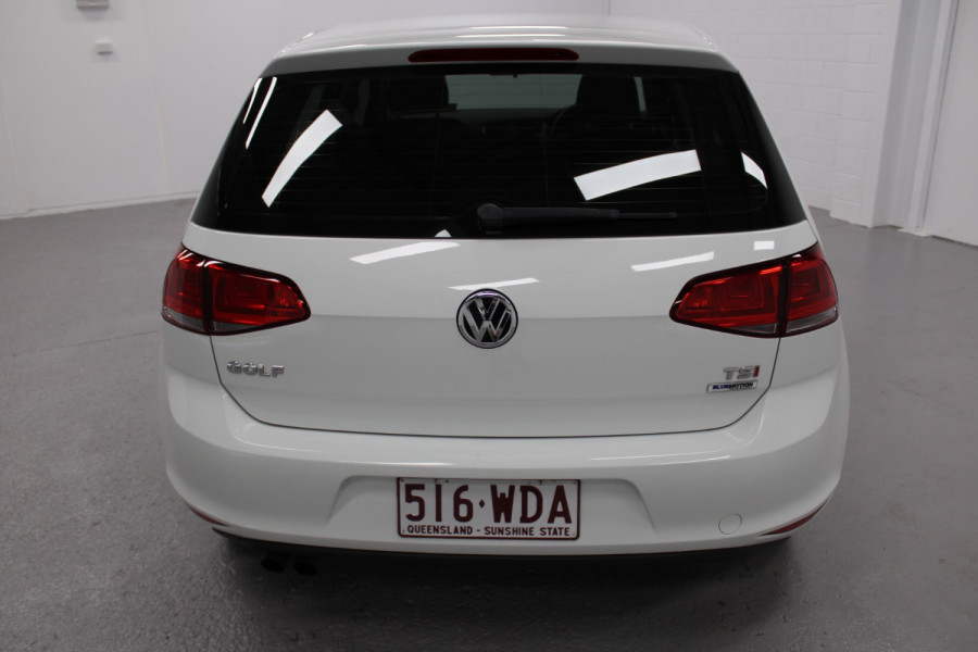 2015 Volkswagen Golf VII  90TSI Hatchback Image 4