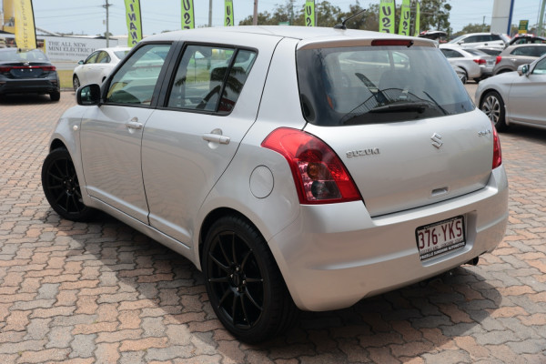 2009 Suzuki Swift RS415 S Hatchback Image 3