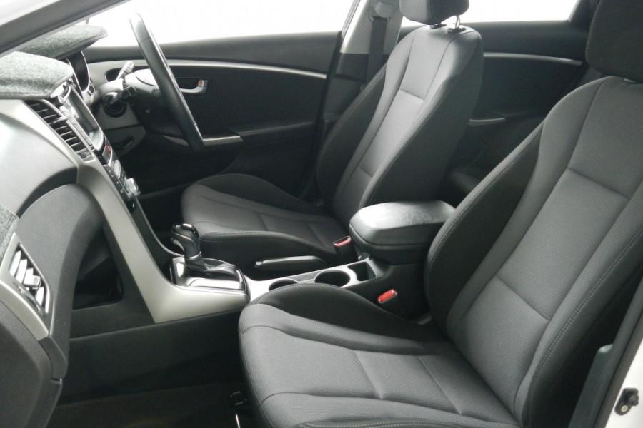 2013 MY14 Hyundai i30 GD2 Elite Hatchback Mobile Image 10