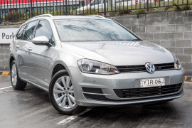 Volkswagen Golf Comfrtline VII  90TSI