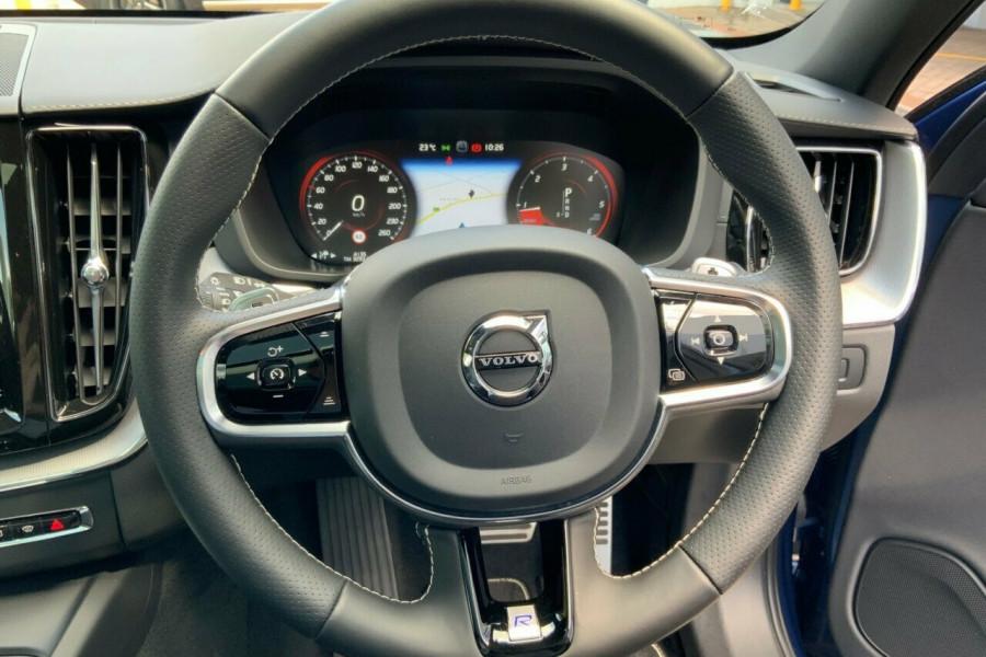 2018 MY19 Volvo XC60 246 MY19 D5 R-Design (AWD) Suv Mobile Image 20