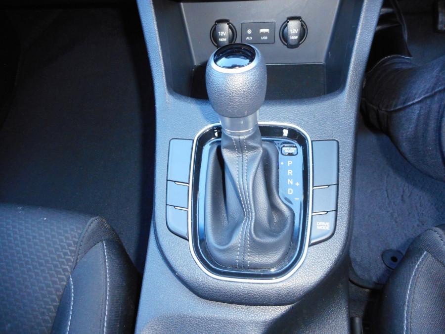2017 MY18 Hyundai i30 PD Active Hatchback Image 18