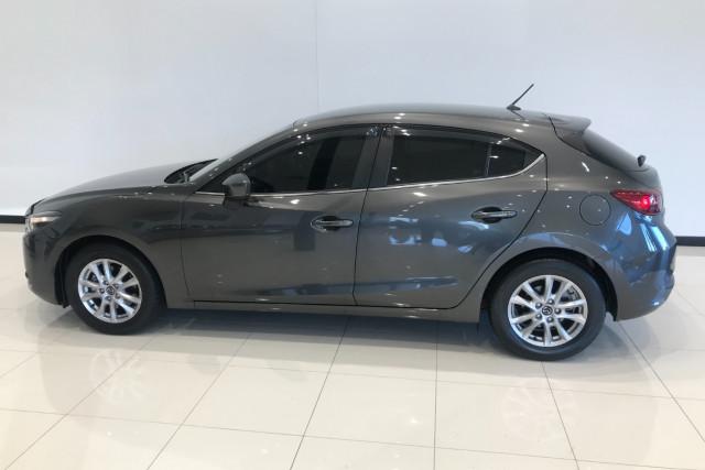 2017 Mazda 300lah5m MAZDA3 L 1 Hatch Image 3