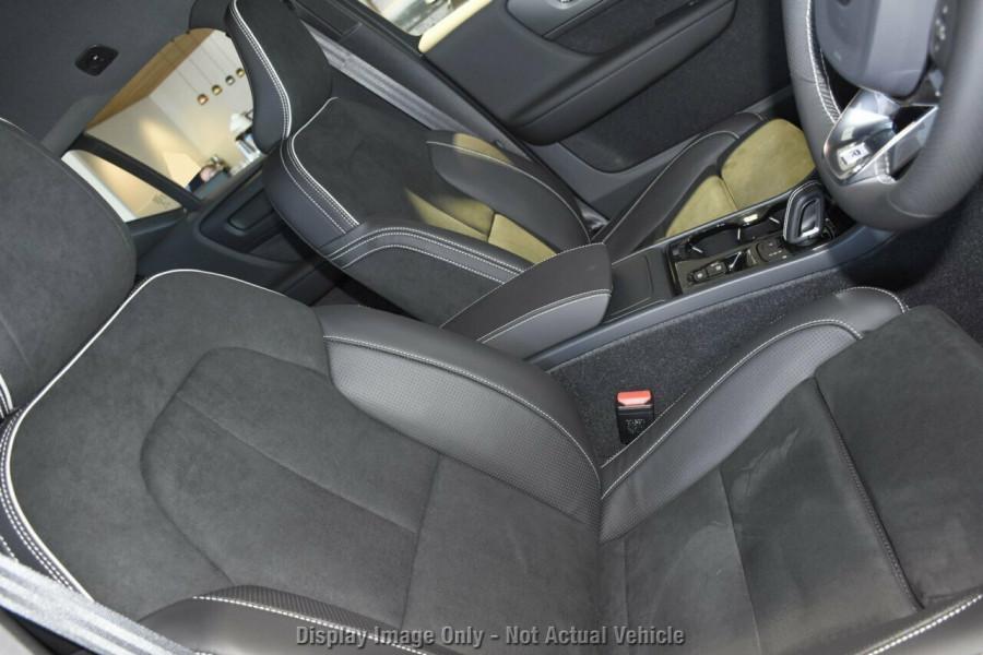 2019 MY20 Volvo XC40 XZ T5 R-Design Suv Mobile Image 9