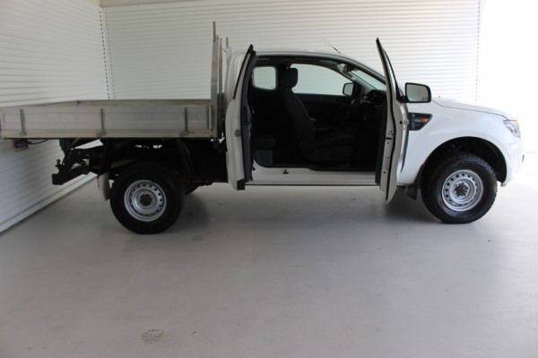 2013 Ford Ranger PX XL Cab chassis Image 4