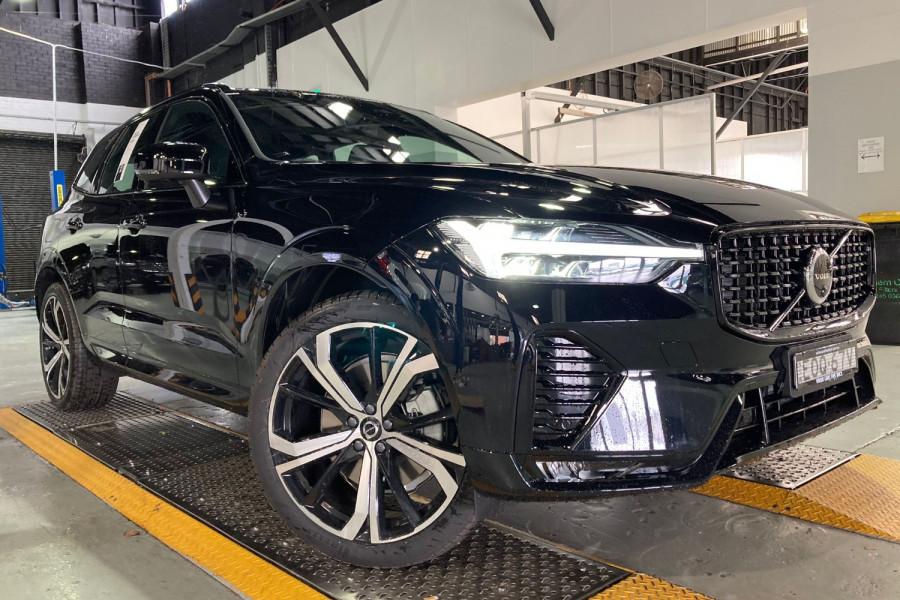 2022 Volvo XC60 B6 R-Design