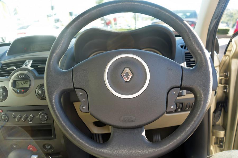2006 Renault Megane II L84 Expression Sedan Mobile Image 14