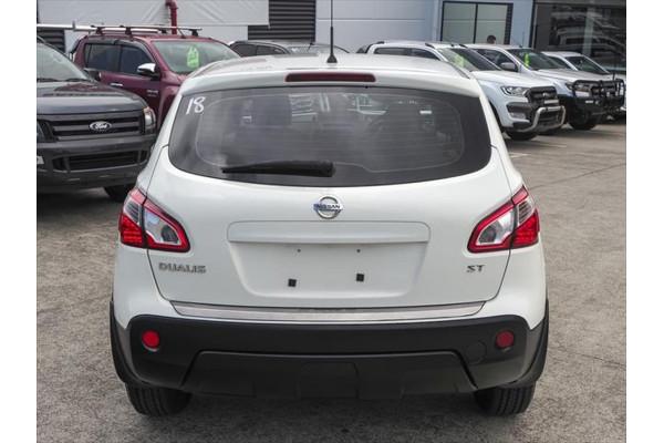 2012 Nissan Dualis J10 Series 3 ST Hatchback Image 3