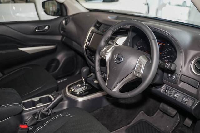 2019 Nissan Navara D23 Series 4 ST-X 4x2 Dual Cab Pickup Utility Image 4
