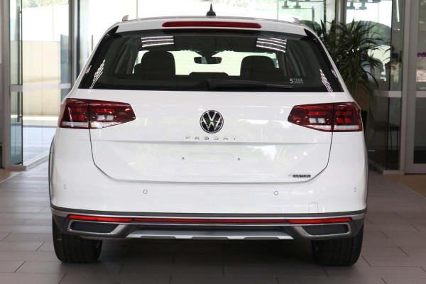2020 MY21 Volkswagen Passat B8 Passat Wagon Image 4