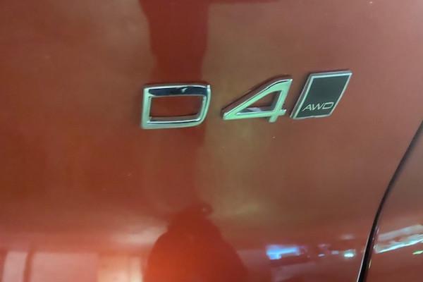 2018 Volvo Xc40 (No Series) MY18 D4 Momentum Suv Image 3
