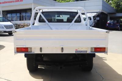 2017 Toyota HiLux GUN126R SR Cab chassis Image 4