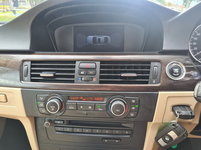 2012 BMW 3 Series E92 320d Coupe Image 14