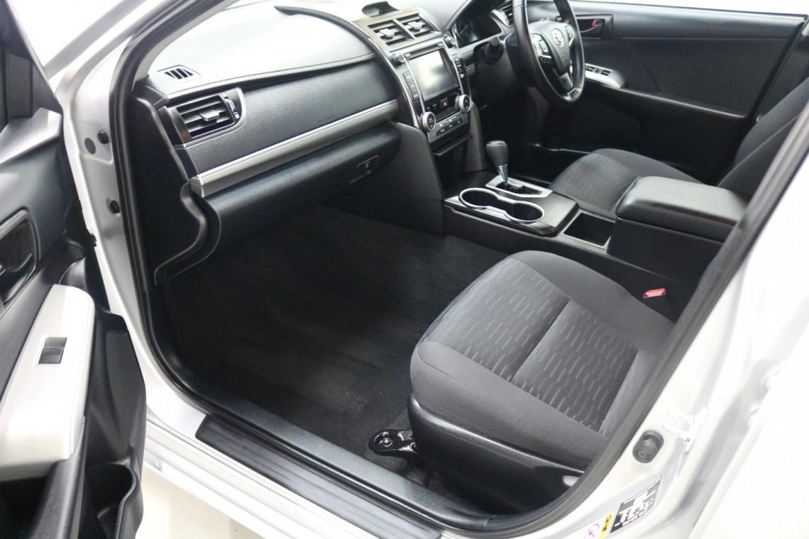 2017 Toyota Camry ASV50R ATARA S Sedan Image 6