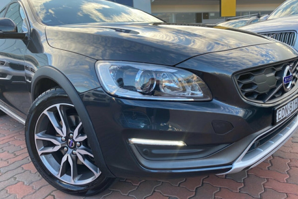 2015 MY16 Volvo V60 Cross Country F Series MY16 D4 Geartronic AWD Luxury Wagon Image 3