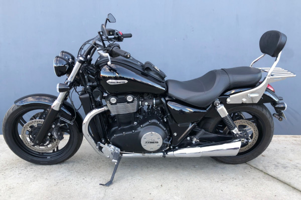 2011 Triumph Thunderbird Storm Motorcycle Image 2