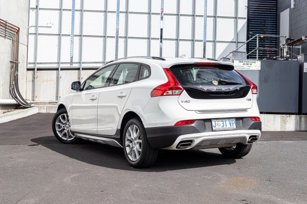 2017 Volvo V40 Cross Country (No Series) MY18 T5 Pro Hatchback Image 5