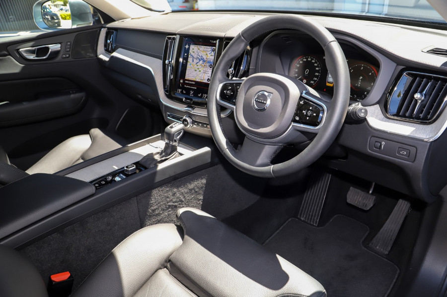 2020 Volvo XC60 UZ D4 Inscription Suv Image 4