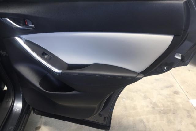 2016 Mazda CX-5 KE Series 2 Akera Awd wagon Mobile Image 17