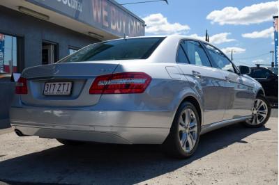 2010 Mercedes-Benz E-class W212 E250 CGI Avantgarde Sedan Image 4