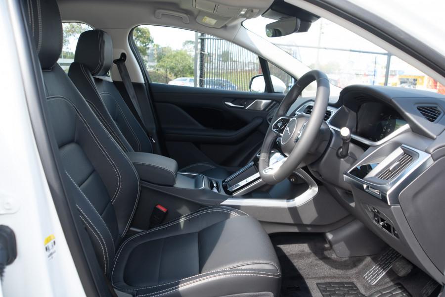 2019 MY20 Jaguar I-PACE X590 SE Hatchback Mobile Image 13
