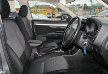2013 MY14 Mitsubishi Outlander ZJ ES 2WD Wagon
