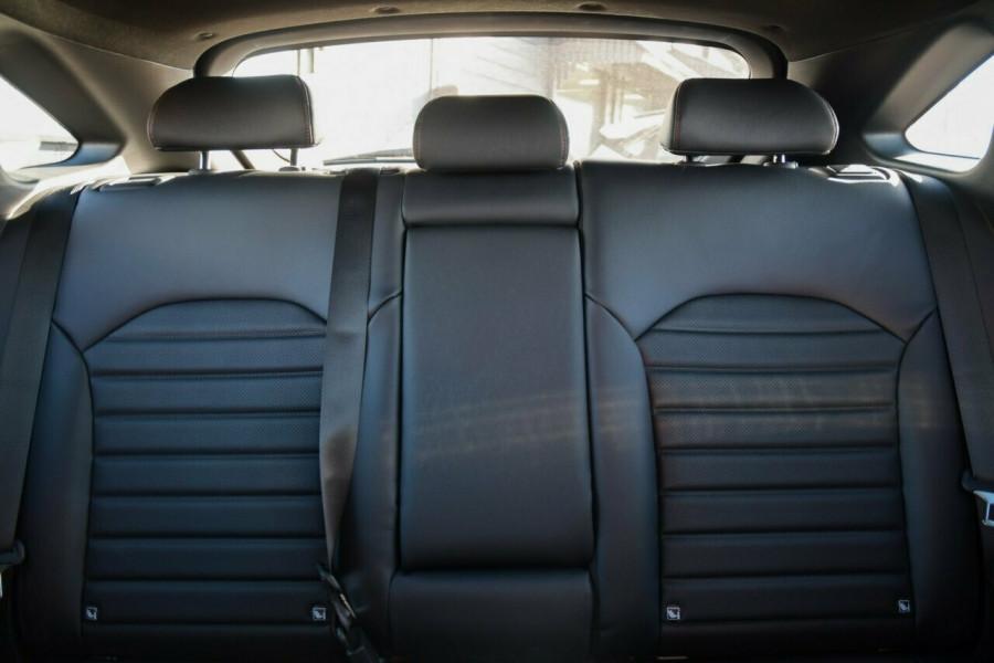 2021 MY22 Kia Cerato BD GT Hatchback Image 15