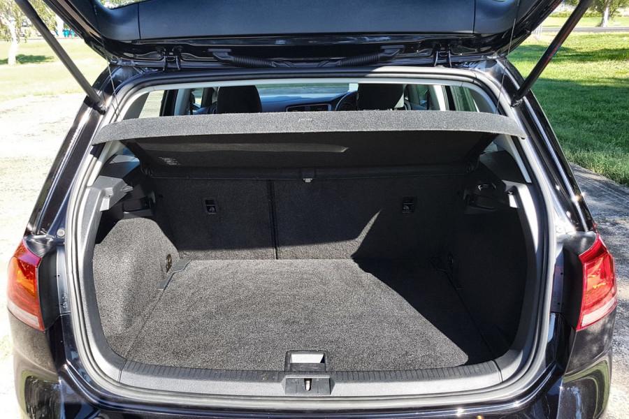 2016 Volkswagen Golf 7 92TSI Hatch Image 14