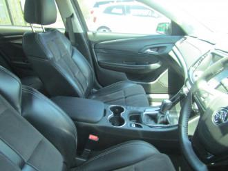 2014 MY15 Holden Commodore VF MY15 SV6 Sedan Image 5