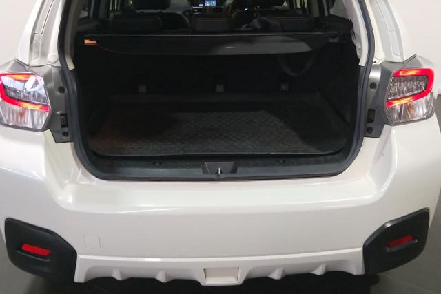2016 Subaru Xv G4X 2.0i-S Suv Image 5