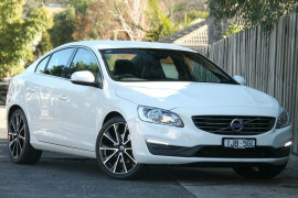 Volvo S60 T4 Adap Geartronic Kinetic F Series MY17
