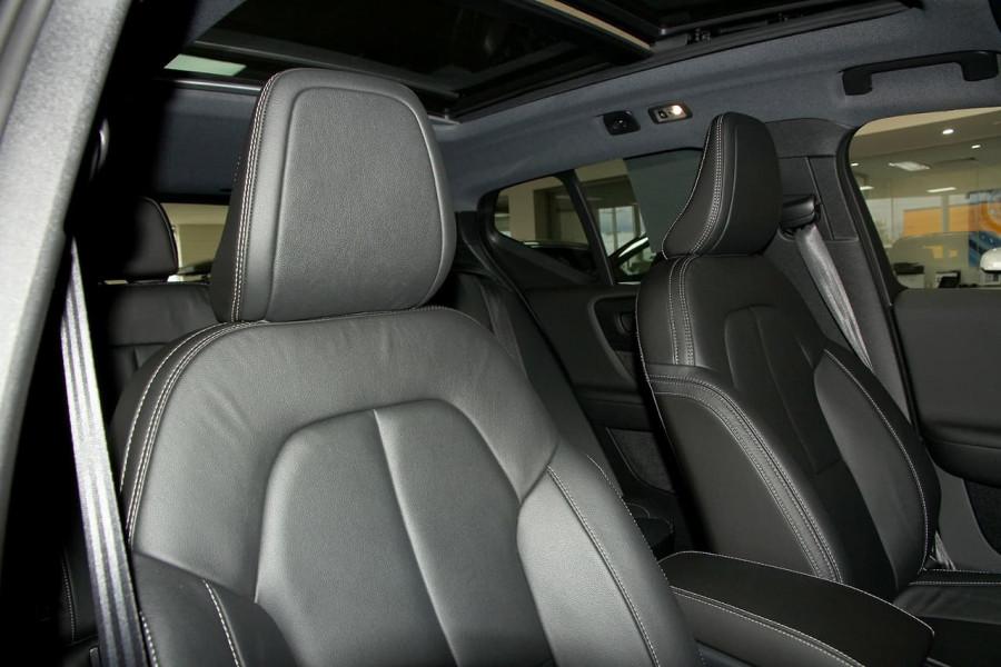 2019 Volvo Xc40 (No Series) MY19 T5 R-Design Suv Mobile Image 8