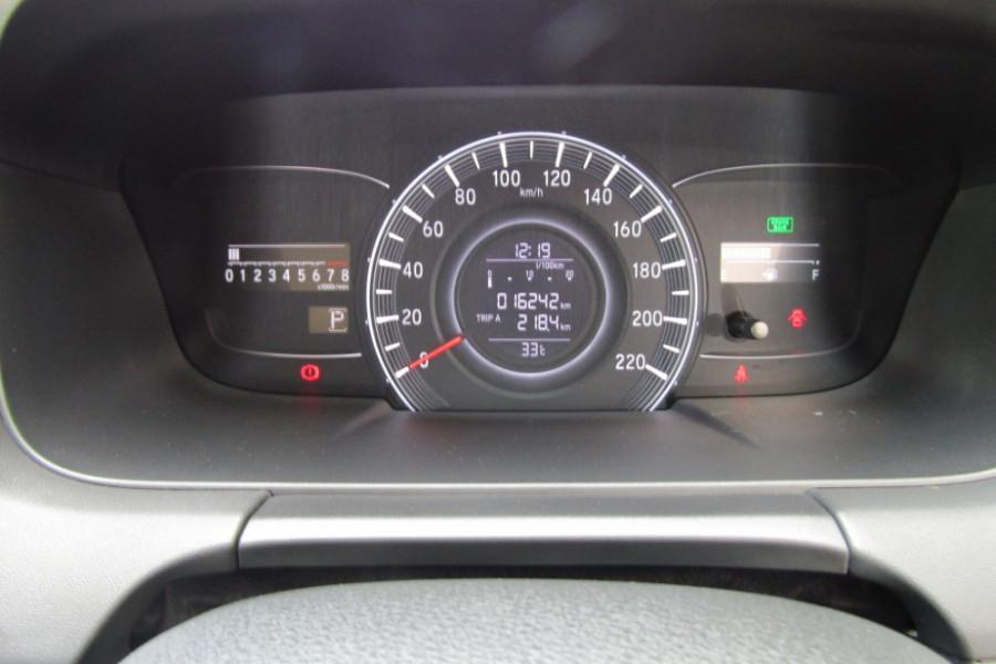 2016 Honda Odyssey 5th Gen VTi Wagon Image 18