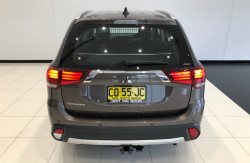 2017 Mitsubishi Outlander ZL ES ADAS Awd wagon Image 5