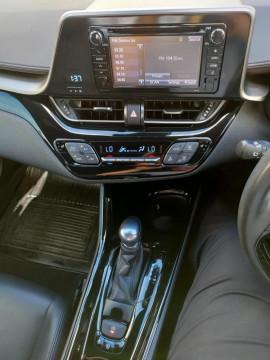 2017 Toyota C-hr NGX50R Koba Suv image 19