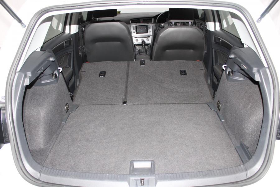 2015 Volkswagen Golf VII  90TSI Hatchback Image 8