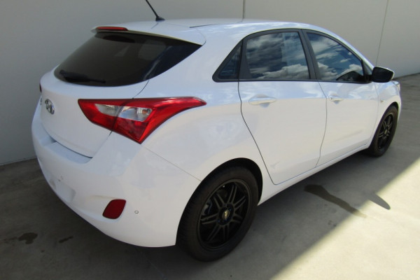 2015 Hyundai I30 GD3 SERIES II MY16 ACTIVE Hatchback Image 3
