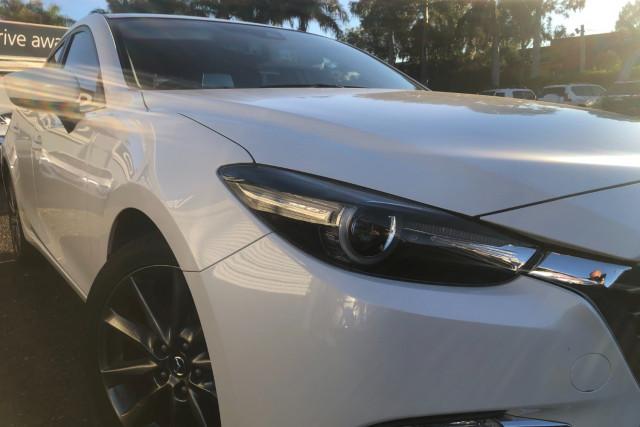 2018 Mazda 3 Hatchback Image 2