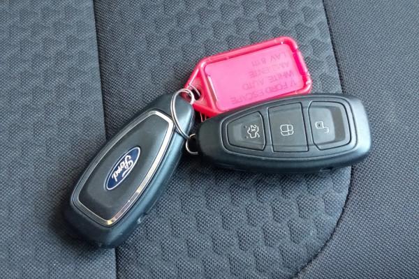 2017 Ford Escape ZG AMBIENTE Suv Mobile Image 8