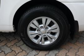 2014 Kia Grand Carnival VQ Si Wagon Image 5