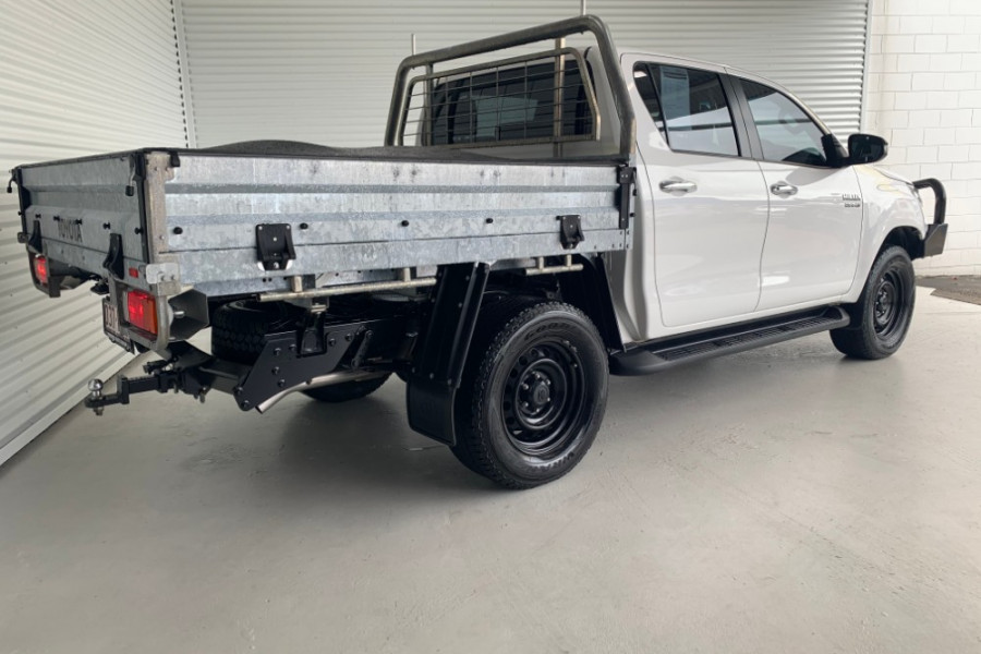 2015 Toyota HiLux GUN126R SR Cab chassis